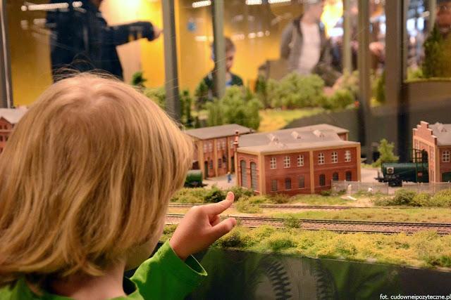 Wielka makieta kolejowa - przyglądamy się szczegółom