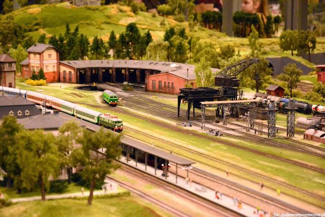 Wielka makieta kolejowa - cudny miniaturowy świat