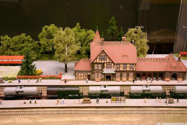 Wielka makieta kolejowa - dworzec